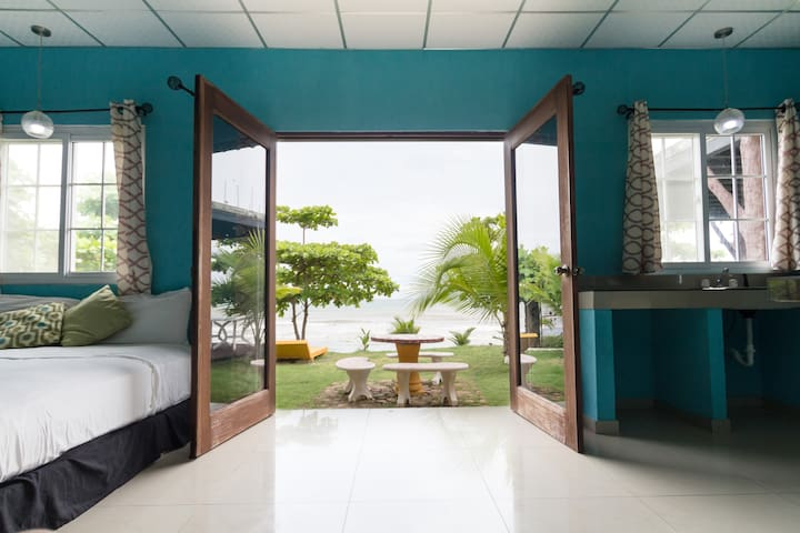 Beachfront Ocean Suite with Swiming Pool