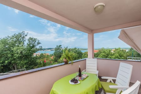 Holiday apartment Fenix for 4 persons