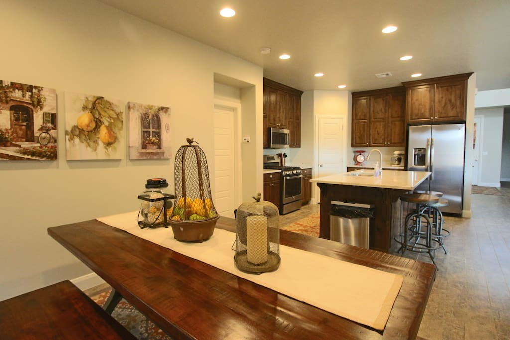 Spacious kitchen with all the details