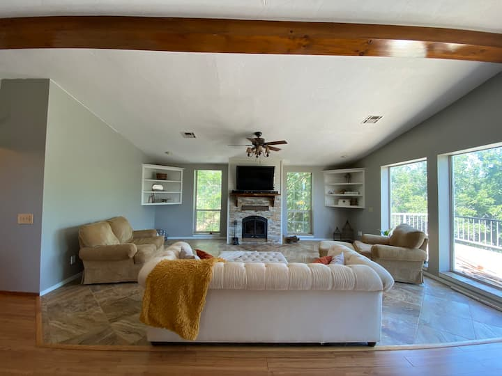 Secluded Modern FarmHouse! 3500sqft w/ Large Pool