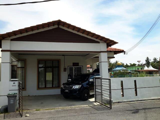 Zayana Meh Lepaks - Masjid Tanah - Dům pro hosty