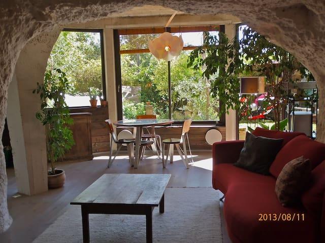 Maison troglodyte contemporaine - Saint-Étienne-de-Chigny - Grot