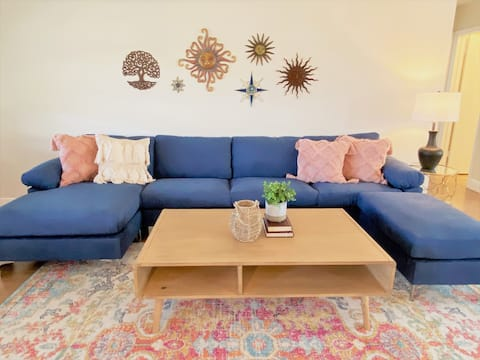 Boho Beach House * Minutes to all Local Delights!