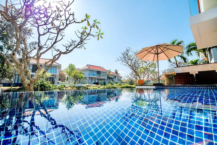Lovely 3 bedrooms Villa 5* Da Nang city resort