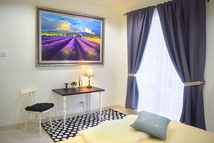 Grass House Bintaro -Comfort & cozy accommodation