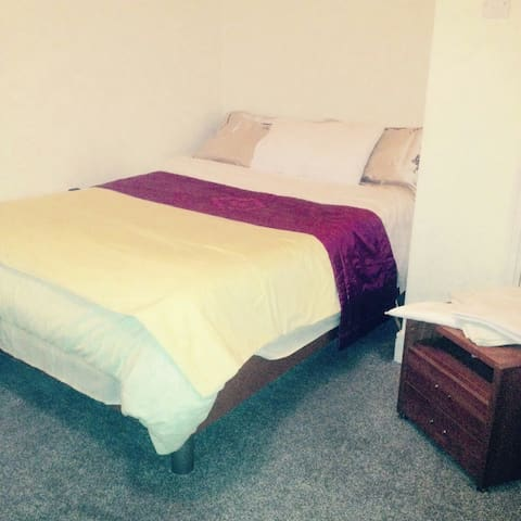 Double bedroom in city center(Dublin 1)