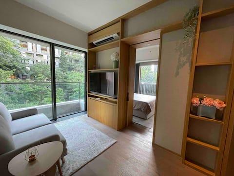 Nhà thiết kế căn hộ dịch vụ 1 phòng ngủ ở Thung lũng vui vẻ trung tâm