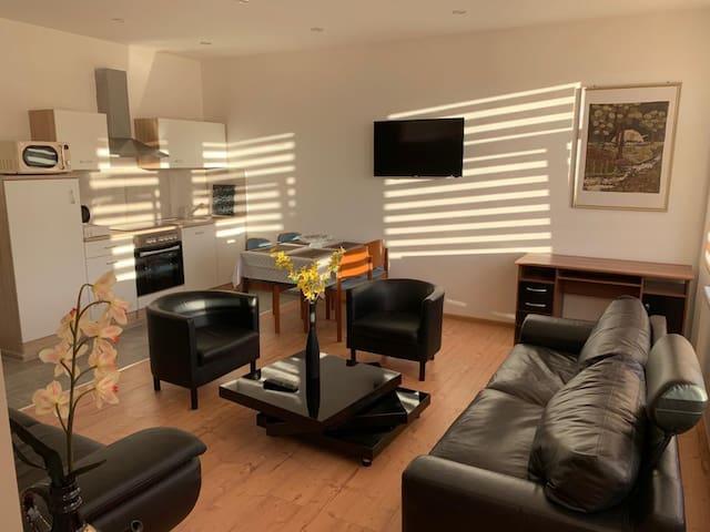 AKS Apartement 7