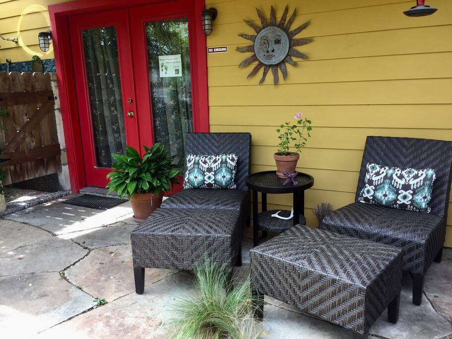 Our new porchin' patio set!