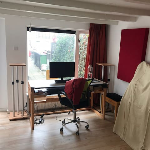 Long stay studio in Hilversum (7 days minimum)