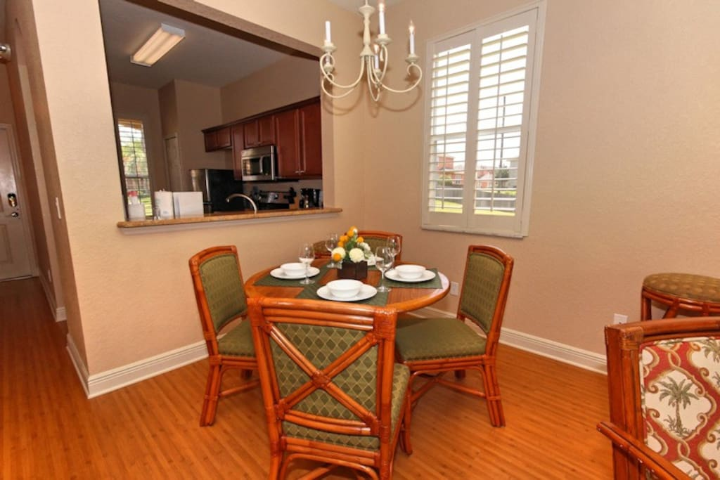 03 Dining Table