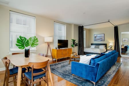 Abode | Memphis | Beale Street Spacious Loft Apartment