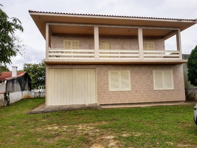 Casa de praia na Pinheira, para famílias grandes.