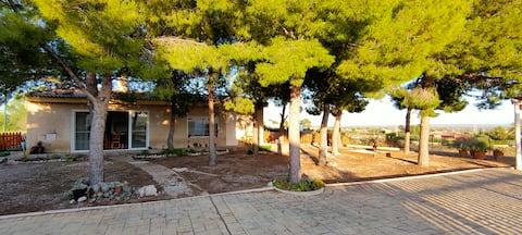 Un lugar con Naturaleza, Piscina y Tranquilidad.