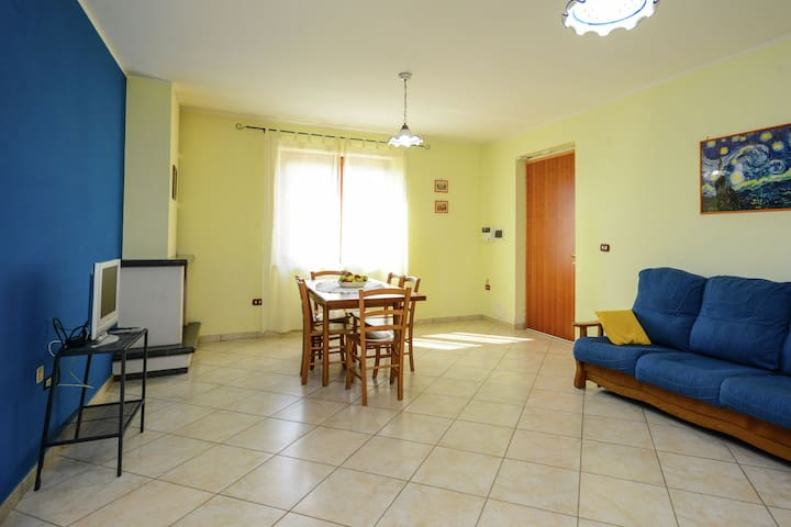 Confortable maison de vacances à Torrecuso avec piscine