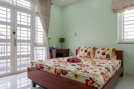 Home Stay with Local Family- Room 1 - Casa