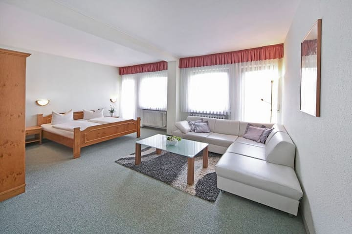 Waldhotel Bächlein (Mitwitz), Familienzimmer Standard mit zwei Schlafzimmern