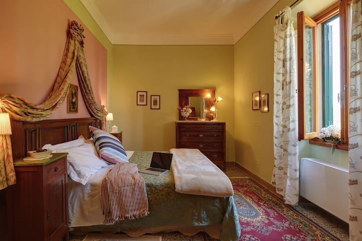 Bedroom #4 Queen size bed