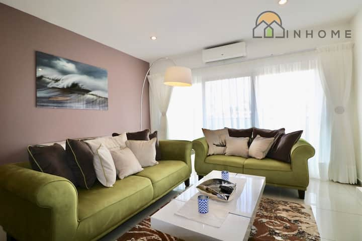 The Gallery, 2 bedroom style and comfort: serviced