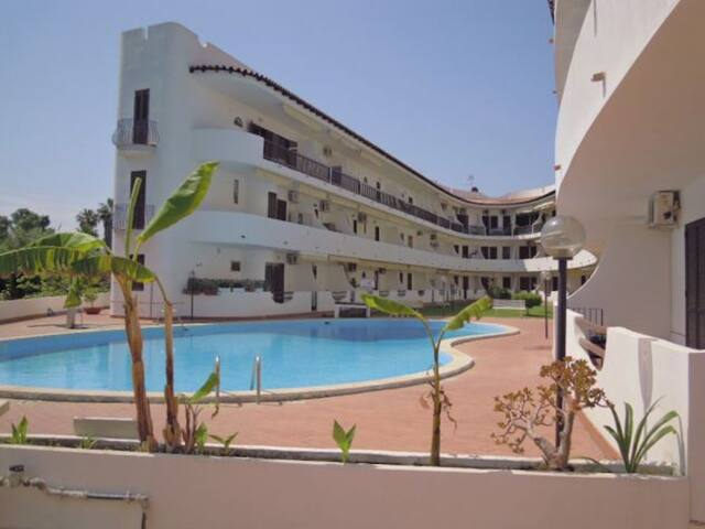 Greta's House - Holiday House with wonderful pool