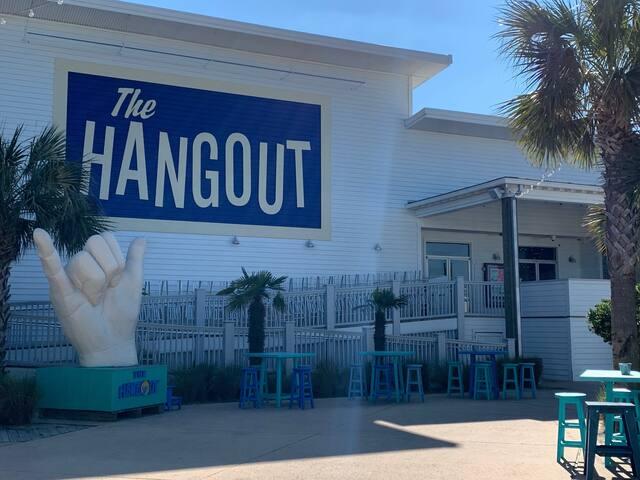 """""""HANGOUT"""" BEACHVIEW STUDIO SLEEPS 4 GUESTS"""