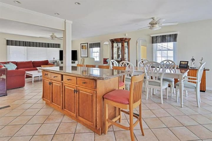4BR / 2BA and Steps from Ortley Beach!