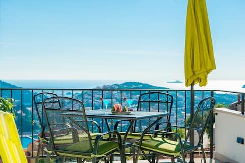 Apartment Nia Deluxe | Amazing Sea View & Parking