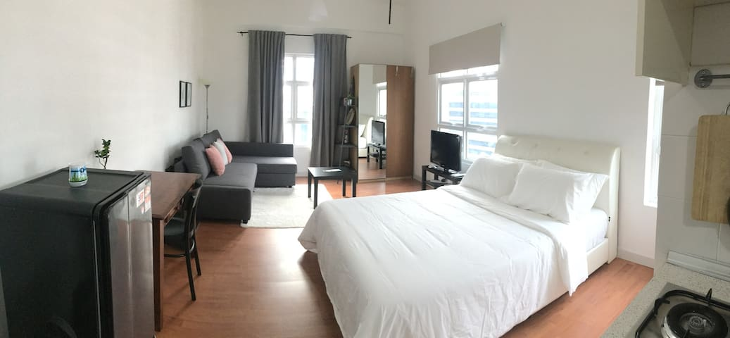 Cozy KL City Studio Near LRT & Free City Bus