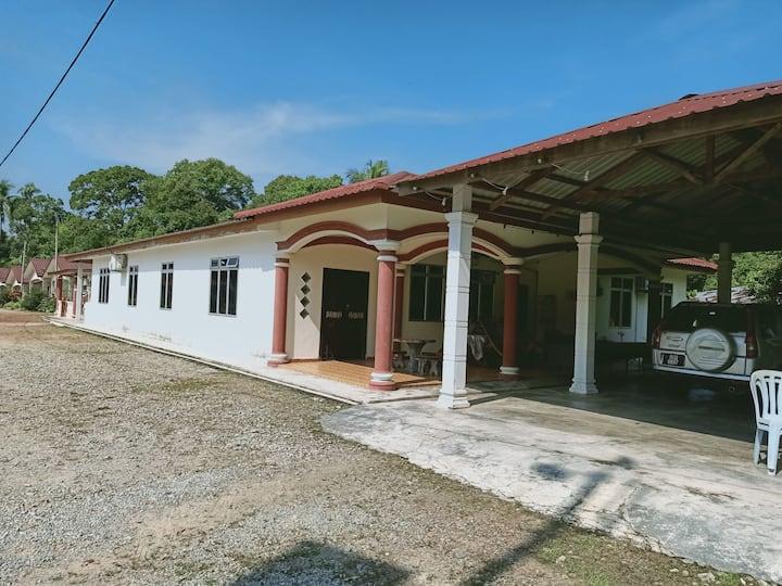 Lonek's Home