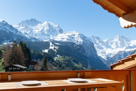 5 Star Penthouse Apartment in Chalet Aberot !!