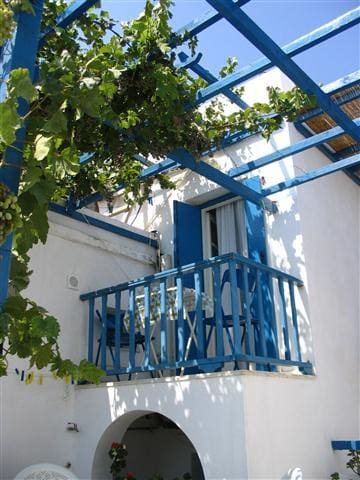Lovely couple friendly studio in Chora