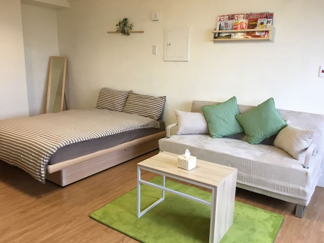J House 2, MUJI-style room, 3 mins to MRT by walk - Qianjin District - Apartament