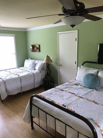 Hangout- 3 full beds plus sleeper sofa queen size.