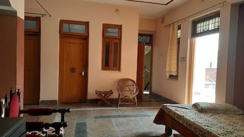 Awesome place to Stay/Relax near Triveni Sangam