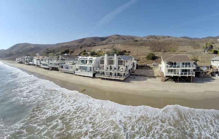 Oceanfront Townhouse on Quiet Malibu Road - Malibu - Appartement