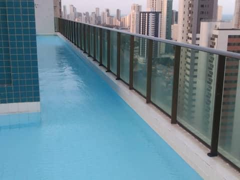 Um local muito confortável. Apto, piscina ótimos.