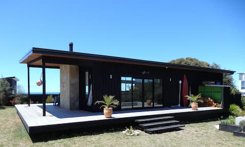 Sheoakes Beach House- East Coast Tas