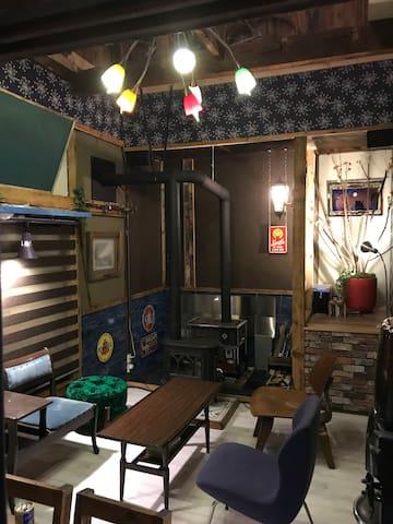 shabby house 古びた民家