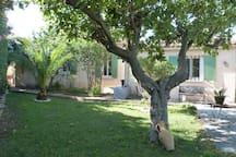 Studio indépendant dans villa avec jardin