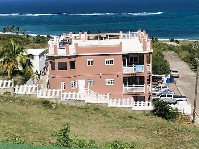 Castle Apartments Half Moon Frigate Bay