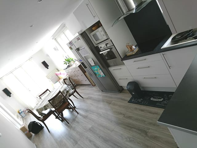 Maison avec Jardin,Netflix,Alexa,Iptv,calme.50m2.