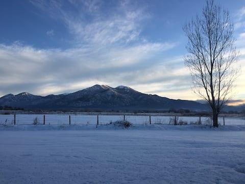 Relaxante moradia em Taos Adobe