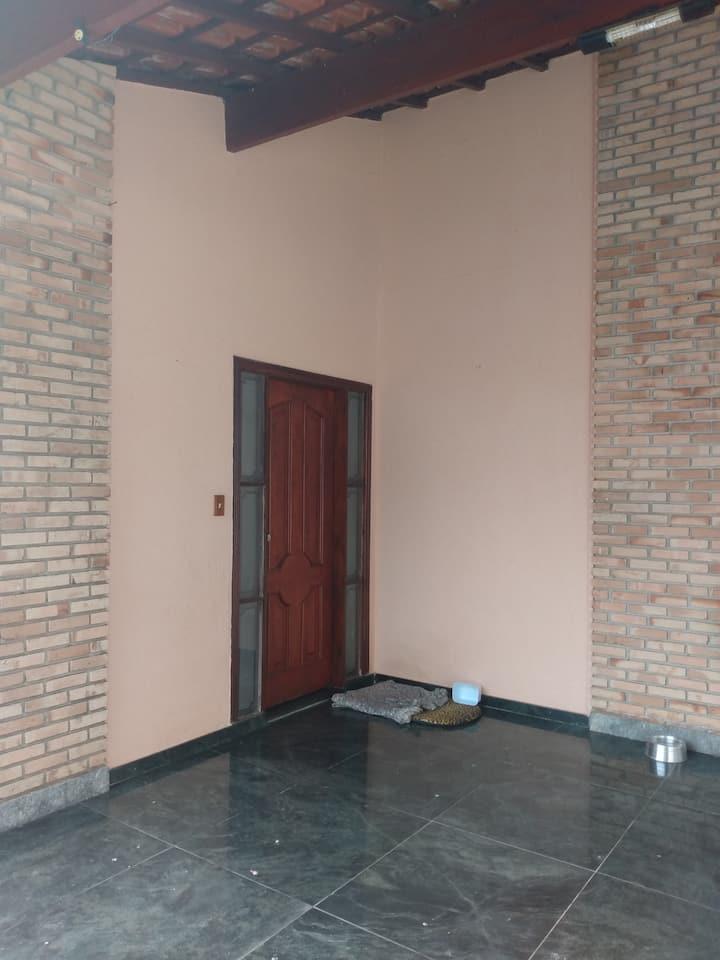 1 suíte(4), numa casa no Jd Alvorada, confortável