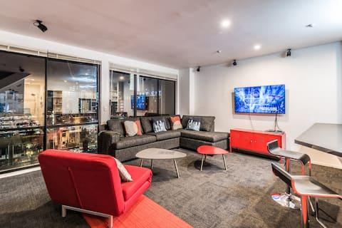 Central Auckland Best Penthouse Skycity view