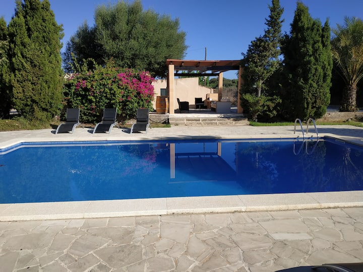 Beautiful finca with pool for nature lovers.