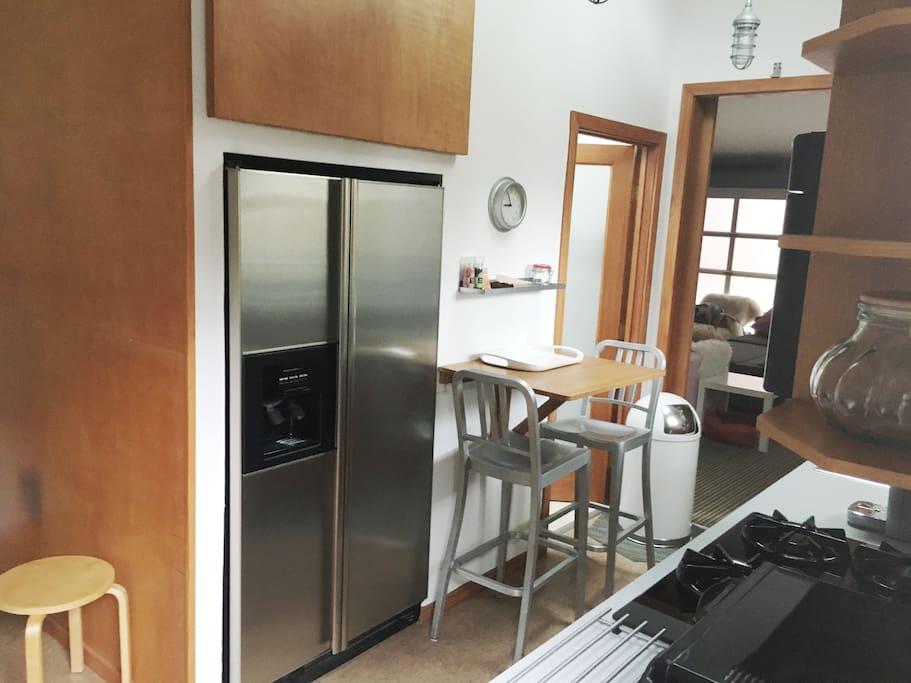 Full Modern Private Kitchen