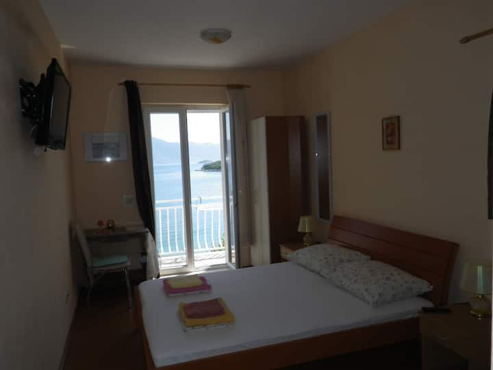 Studio just 50m from the beach with the sea view
