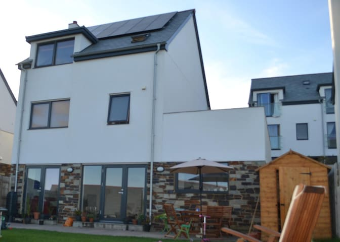 Spacious Four Bedroom House in Perranporth - Perranporth - Hus