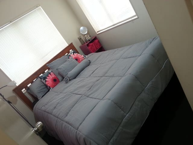 Stop Shop and Drop Additional Room in Onehunga - Auckland - Rivitalo