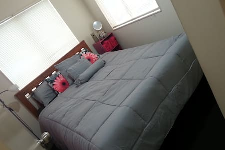 Stop Shop and Drop Additional Room in Onehunga - Auckland